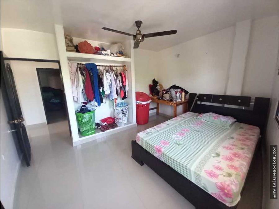 vendo casa grande con local comercial sector la postobon