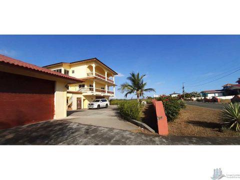 vendo casa de 2 pisos con vista 360 de la playa barqueta