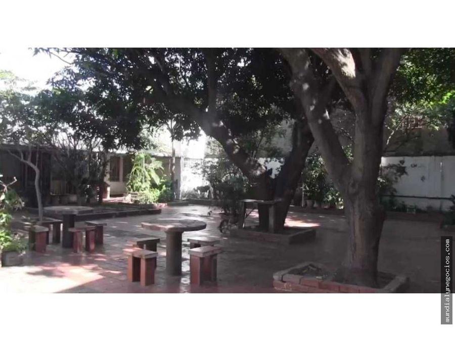 vendo casa de gran tamano en valledupar en area comercial jm