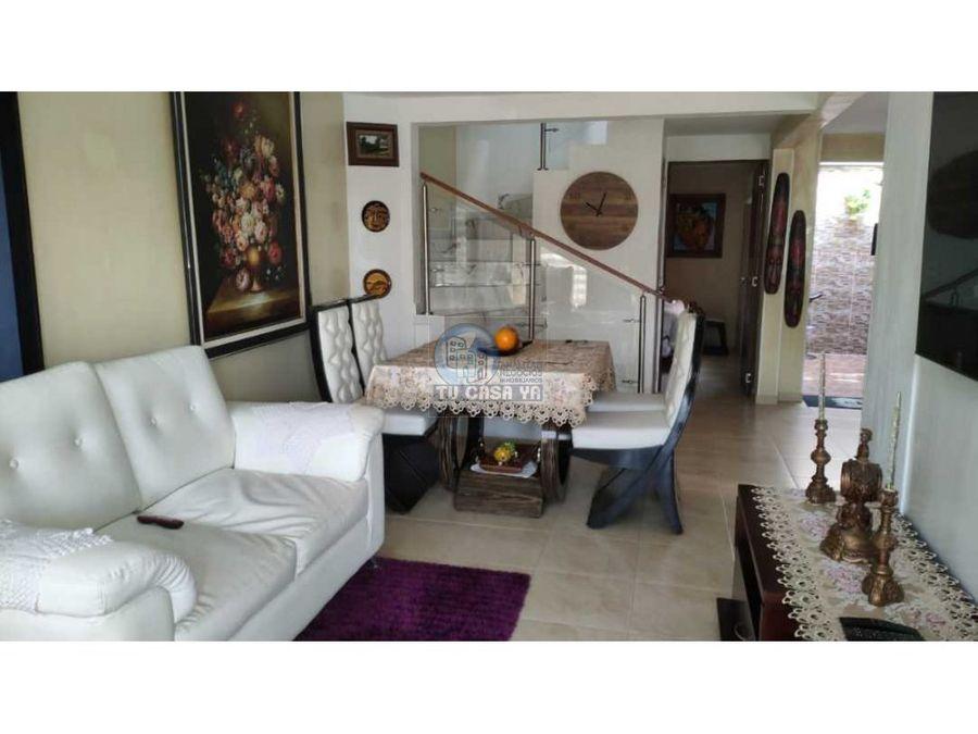3702005 vendo casa duplex cerritos campestre