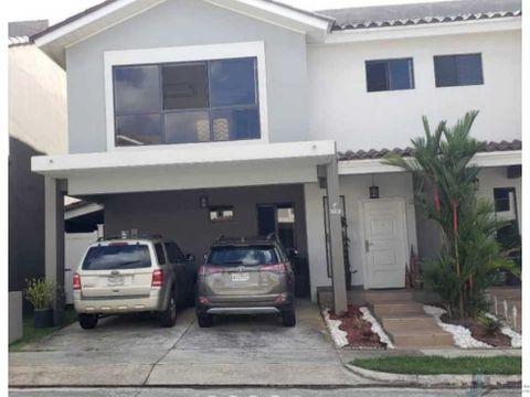 vendo casa duplex en brisas del golf ph aventura 3rc solo aires