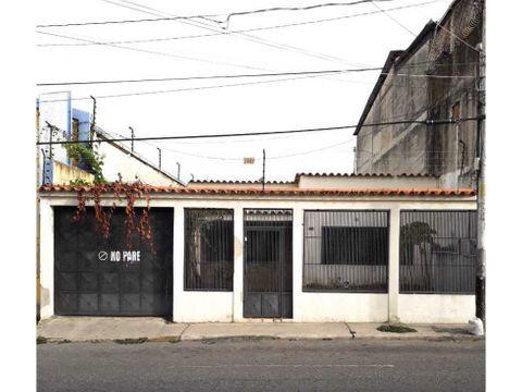 vendo casa en centro este carrera 21 entre 15 y 16 barquisimeto lara