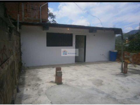 se vende casa 200m2 6h2b1p los teques