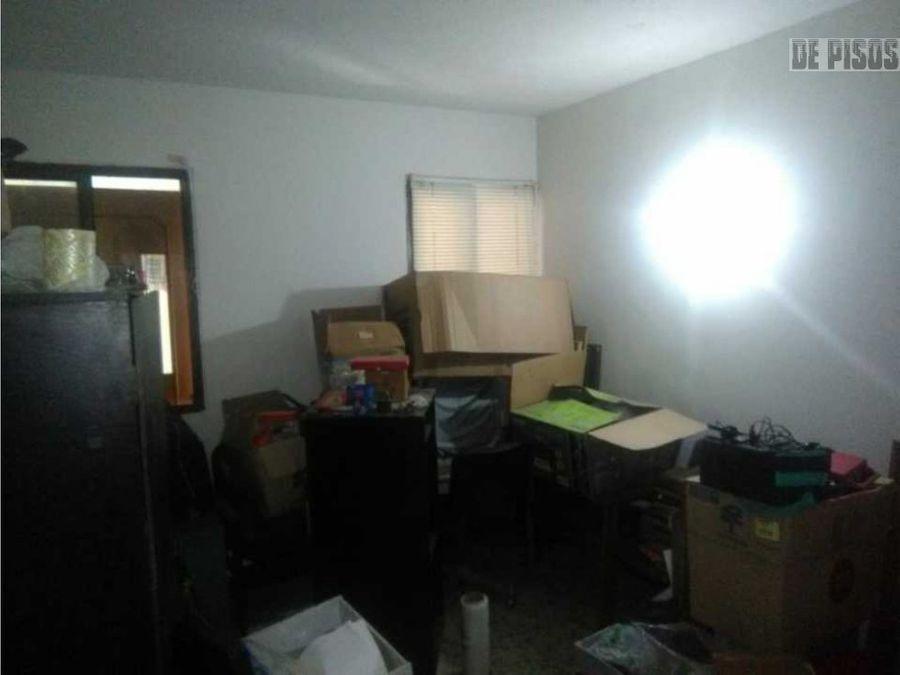 vendo casa en vipasa esquinera 2 pisos
