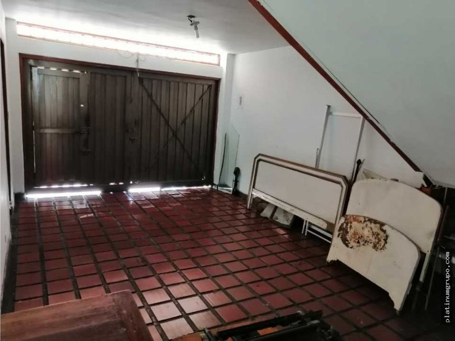 vendo casa externa en colseguros lg