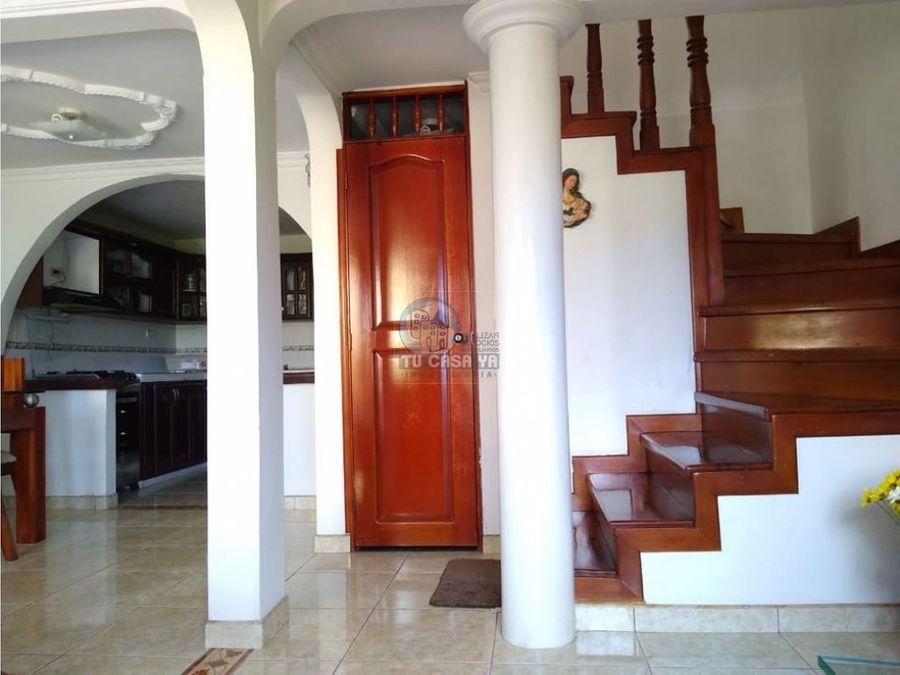 vendo casa muy amplia en barrio cuba