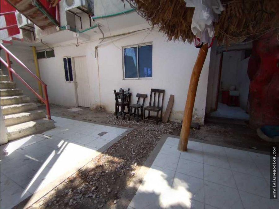 casa esquinera tipo pension en santa marta 001
