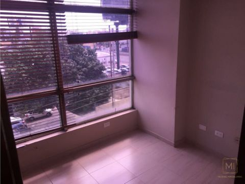 vendo comodo local en plaza comercial