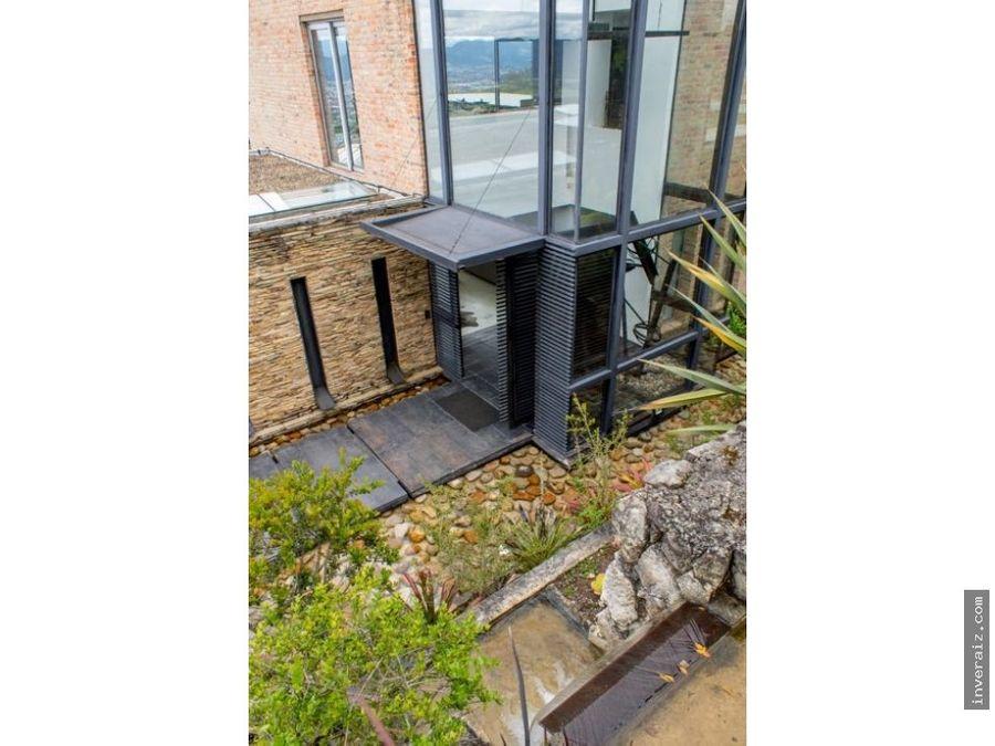 vendo exclusiva casa en portal de fusca ar