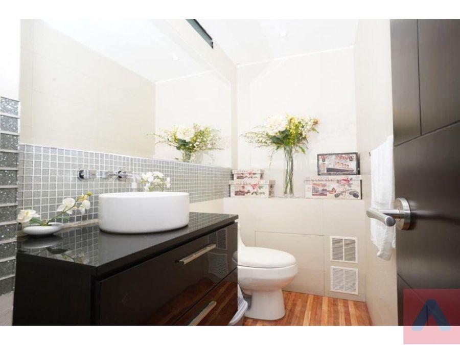 vendo expectacular apto calleja alta 2965 m2 terraza 1450 m2 3 al
