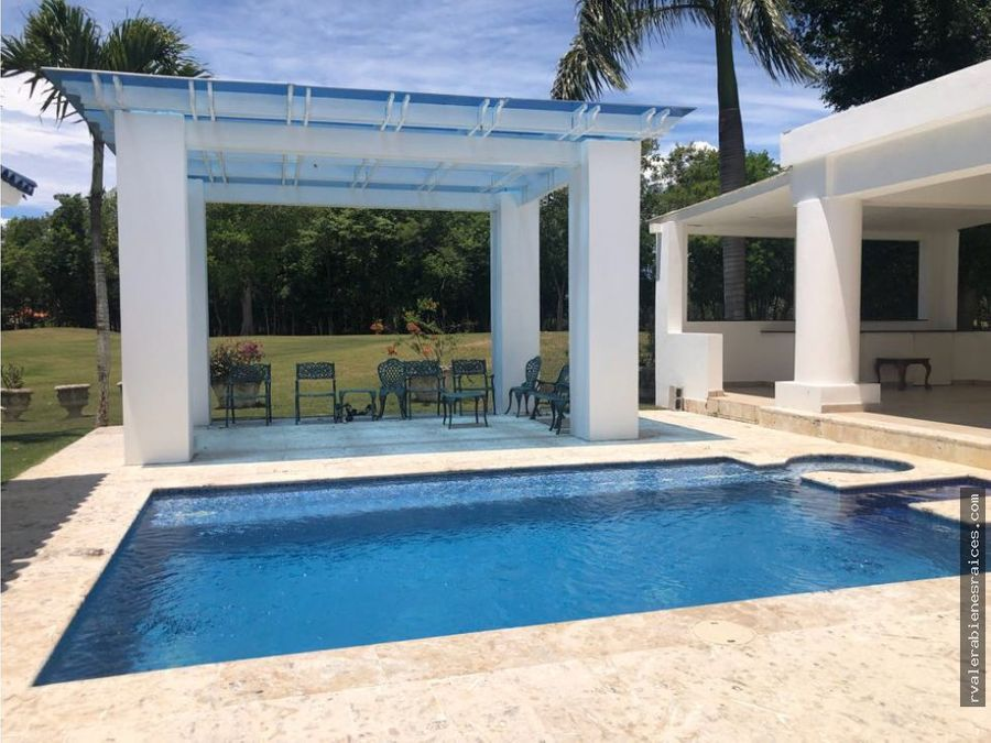 vendo espectacular villa en metro country club