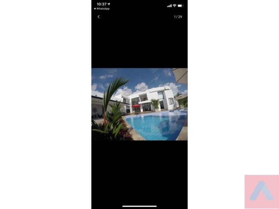vendo hermosa casa camprestre en restrepo meta 5 ha piscina