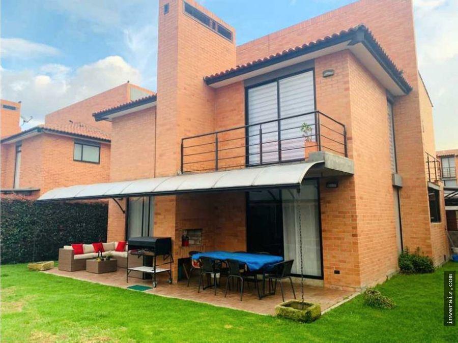 vendo casa en club house chia yg