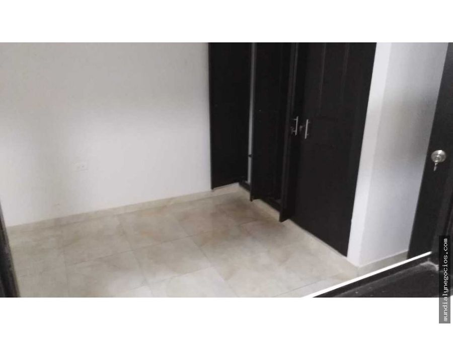 vendo hermosa casa en ibague de tres pisos independiente con renta 001