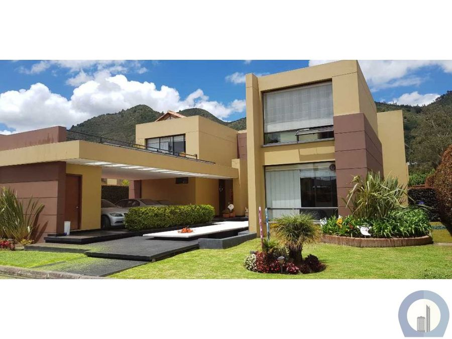 vendo linda casa 4 alcobas club house