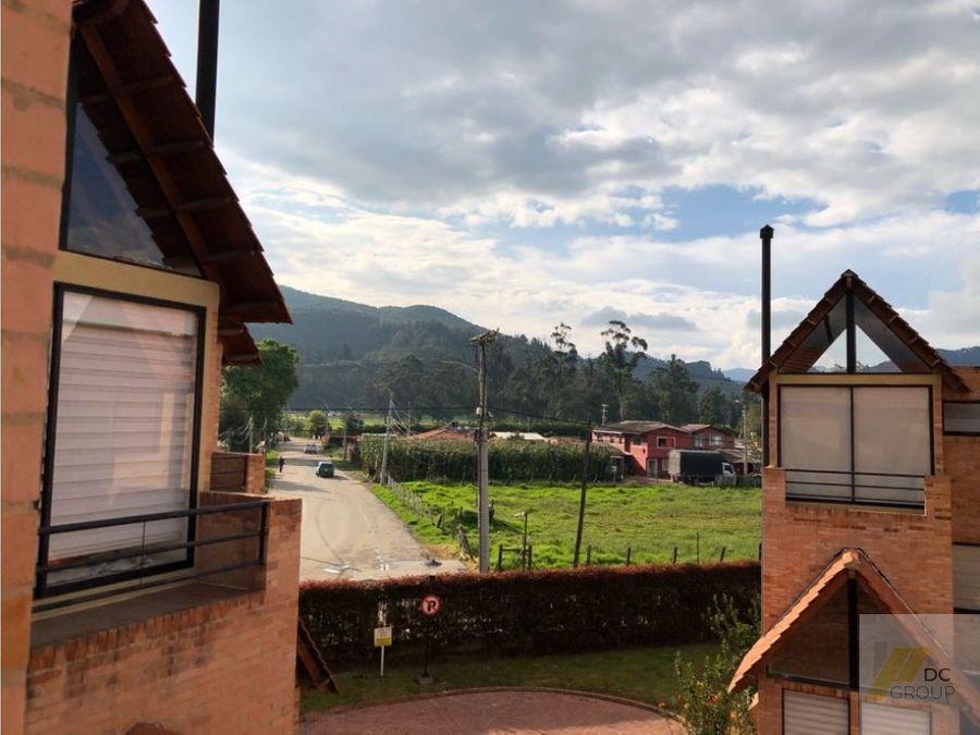 vendo linda casa con vista a la montana