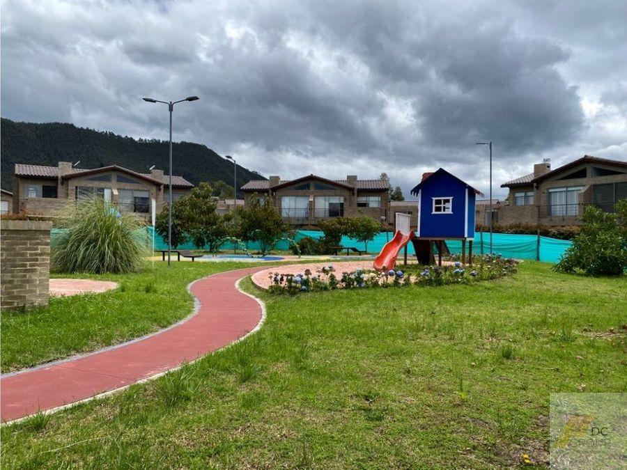 vendo linda casa con zona verde