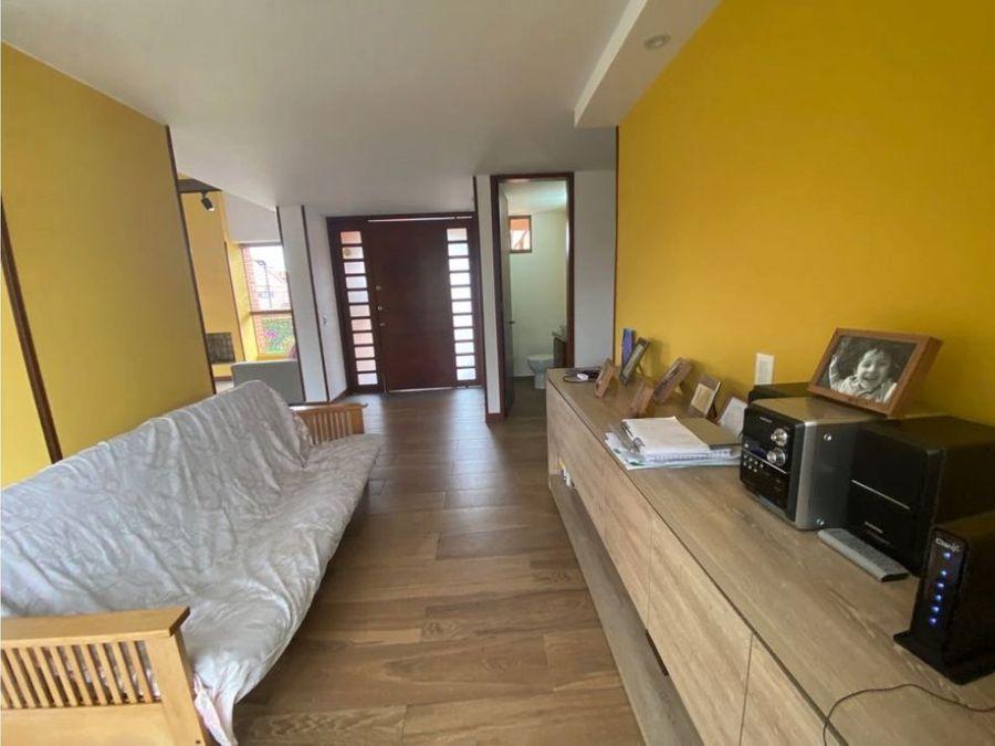 vendo linda casa con zona verde 3 alcobas en primer piso