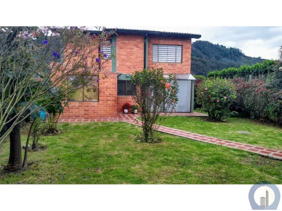 vendo linda casa campestre zona verde