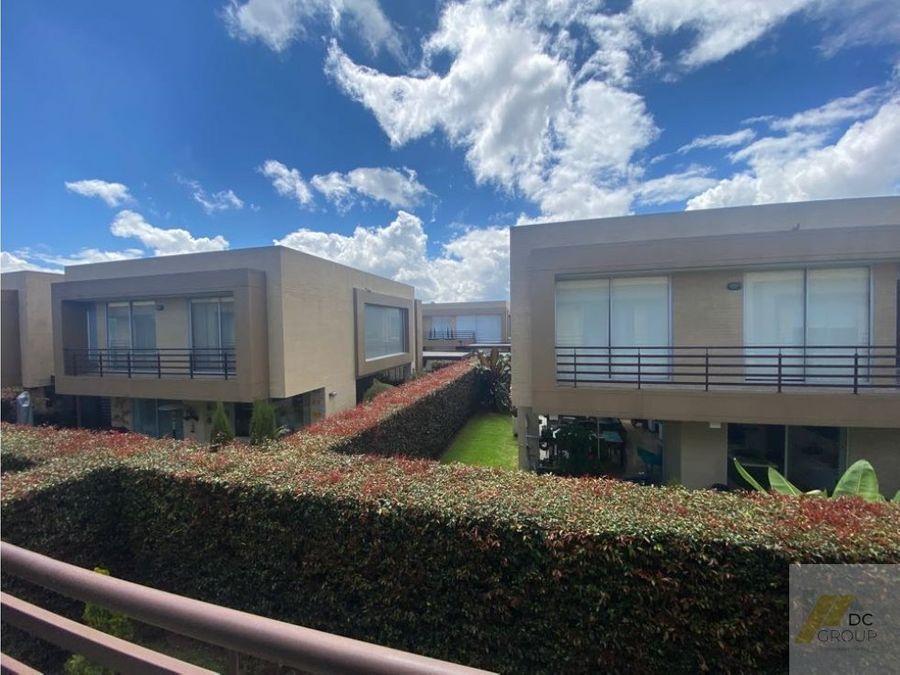vendo linda casa zona verde club house