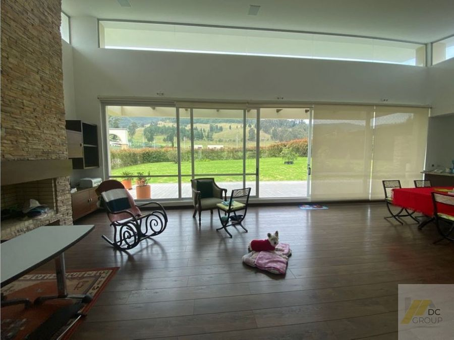 vendo linda casa un piso hermosa vista a la montana