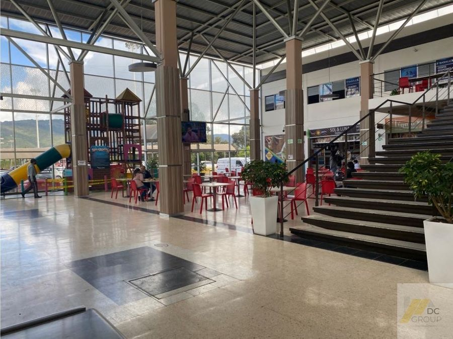 vendo local en centro comercial avenida pradilla