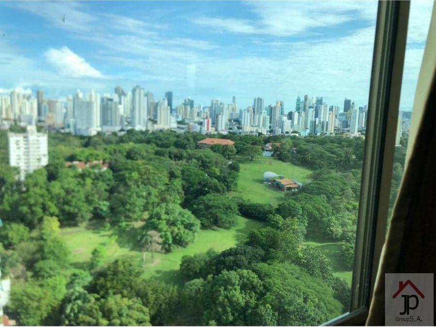 vendo penthouse en altos del golf