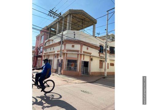 vendo propiedad con local y apartamento en centro historico gd