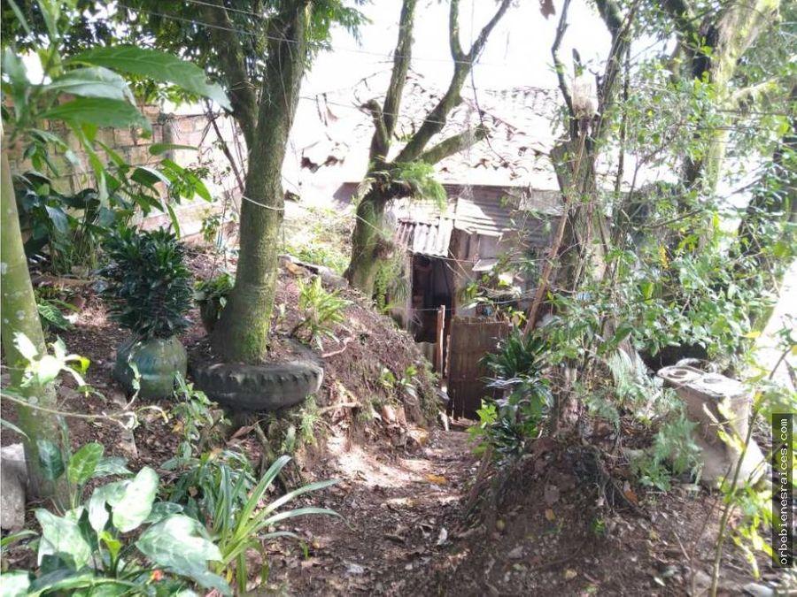 vendo casa lote sector berlin pereira