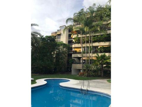venta bello apartamento remodelado con excelente vista de caracas
