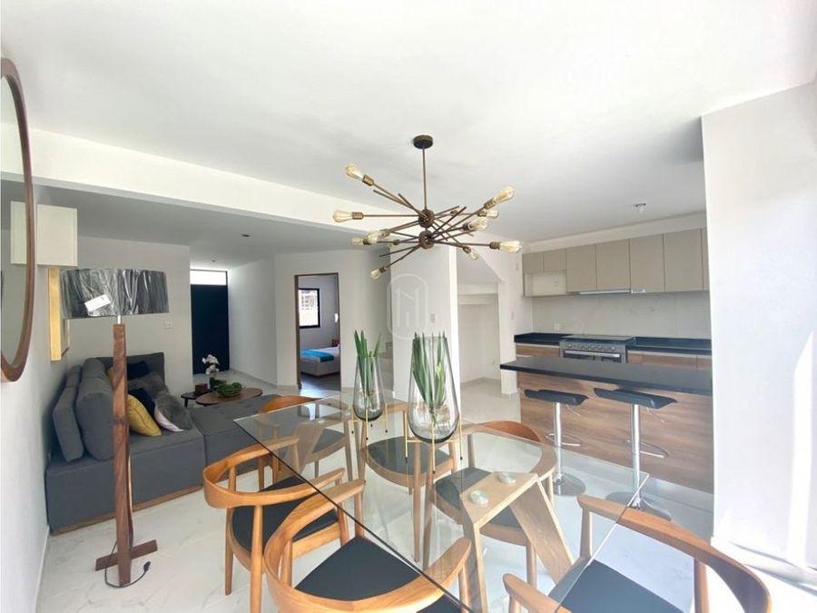 venta casa recamara planta baja roof garden alberca zakia queretaro