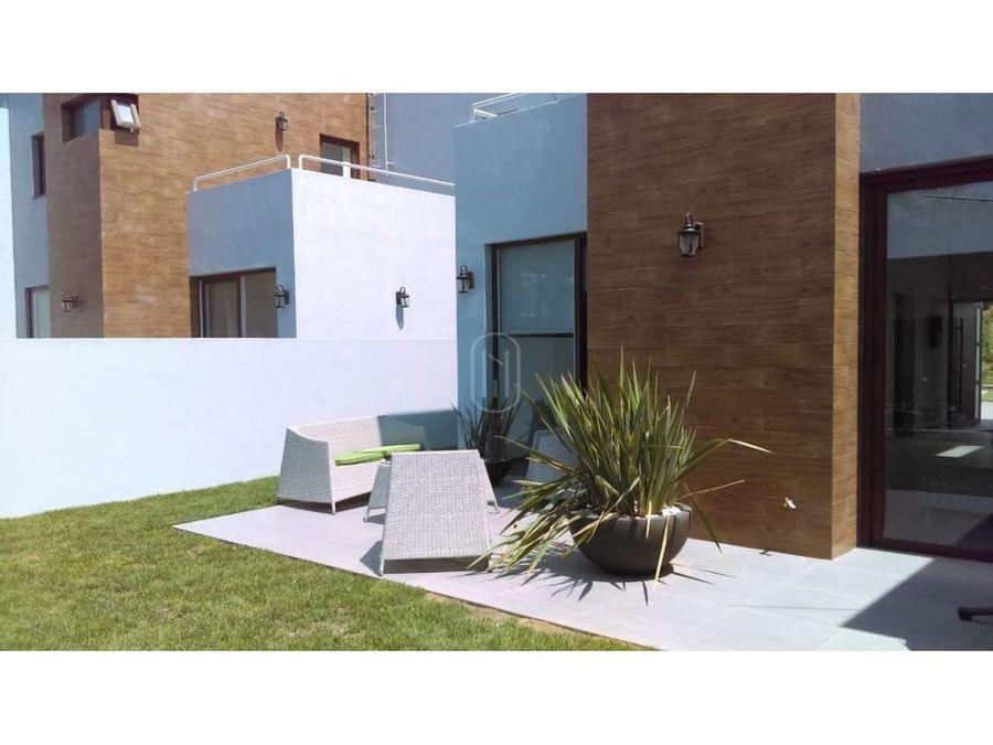venta casa 3 recamaras terraza y jardin en altozano queretaro