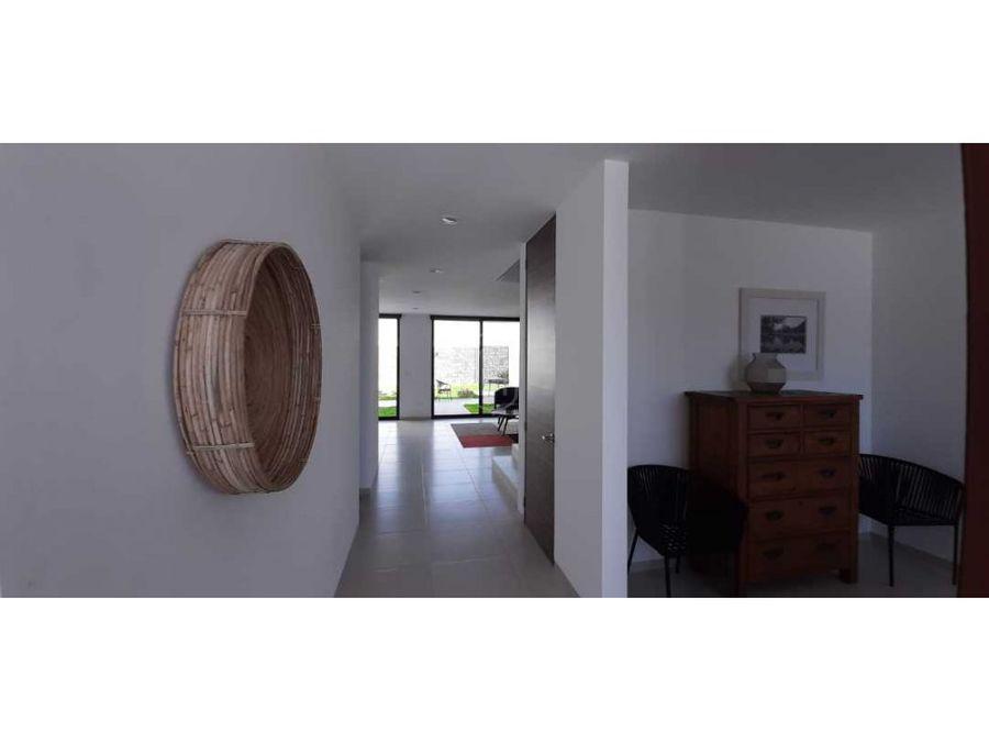 casa 3 recamaras en venta privada con seguridad en zibata queretaro