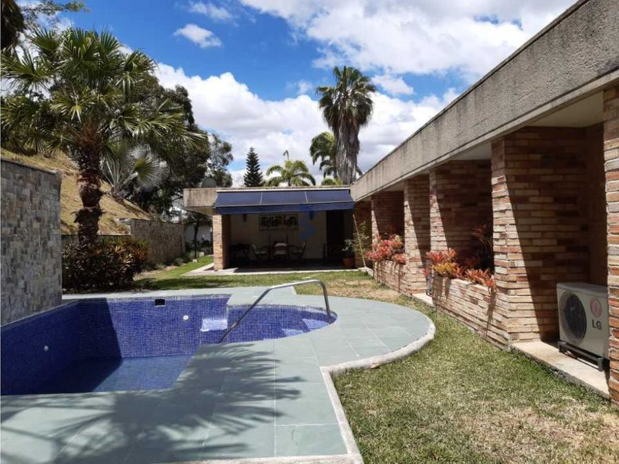 venta casa 1000m27h6b10p cerro verde