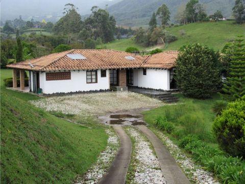 venta casa campestre canada carmen viboral 320 m2