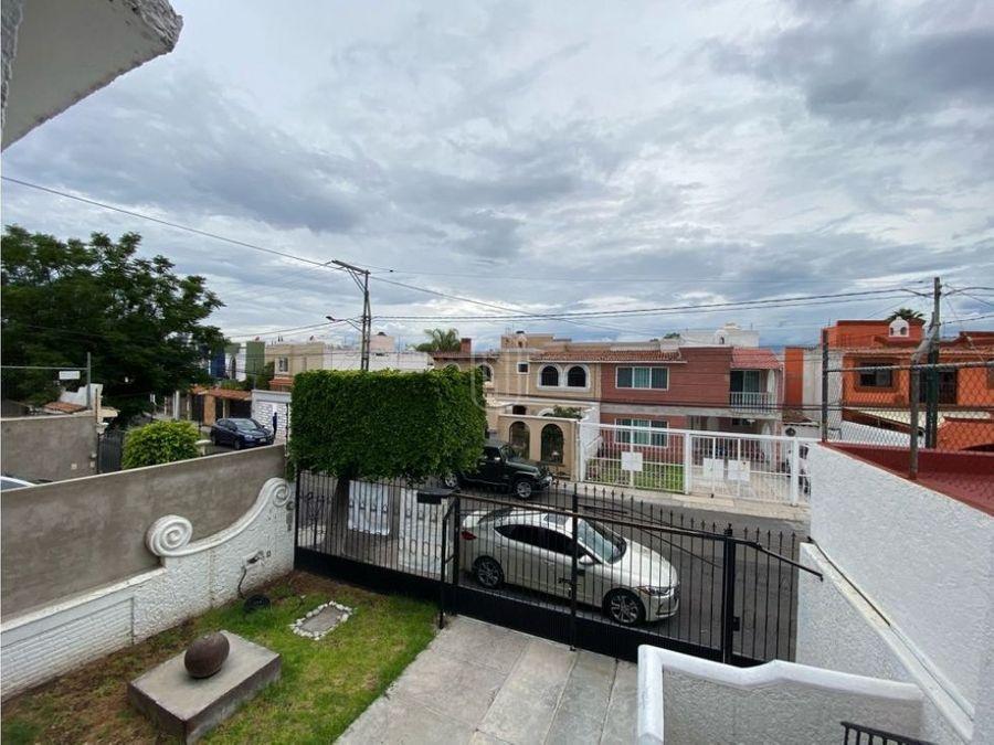 venta casa centrica cercana a plaza del parque queretaro