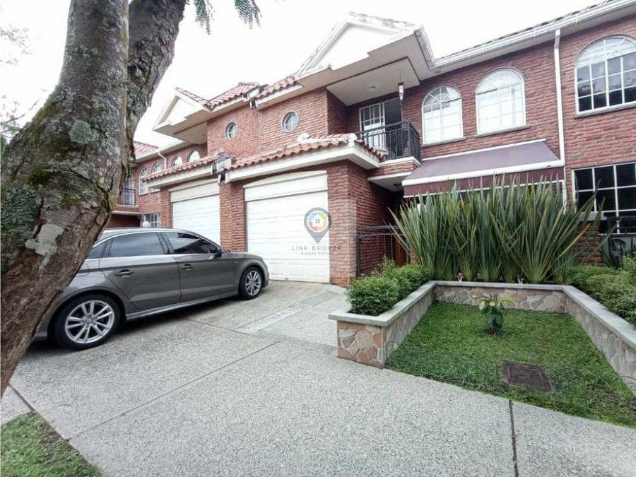 venta casa amplio sector exclusivo pinares