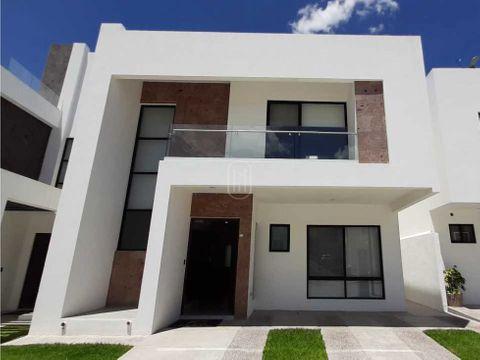 en venta casa con terraza 3 recamaras en altos juriquilla queretaro