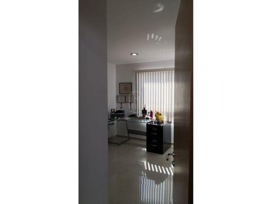 venta casa con recamara en planta baja en altozano queretaro