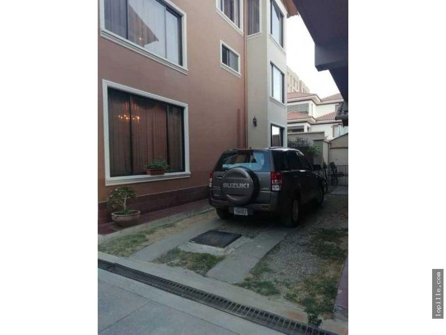 venta casa en condominio zona sarco