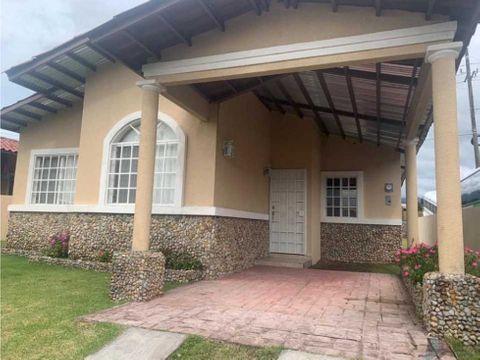vendo casa de segunda en boquete 400 m2