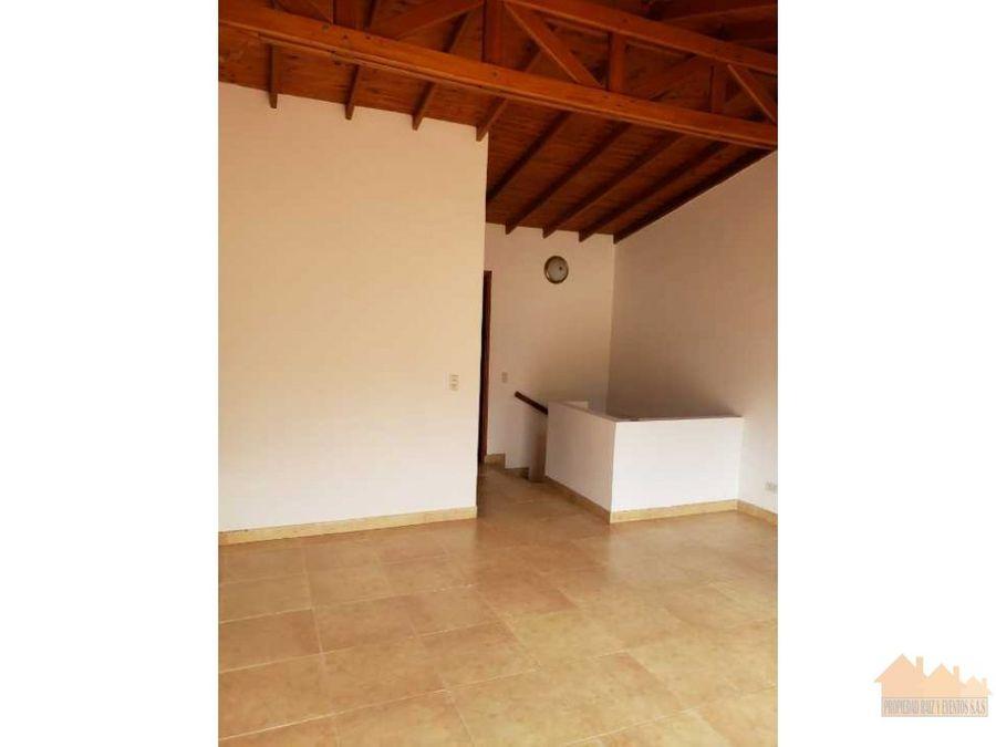venta casa en la estrella sector suramerica