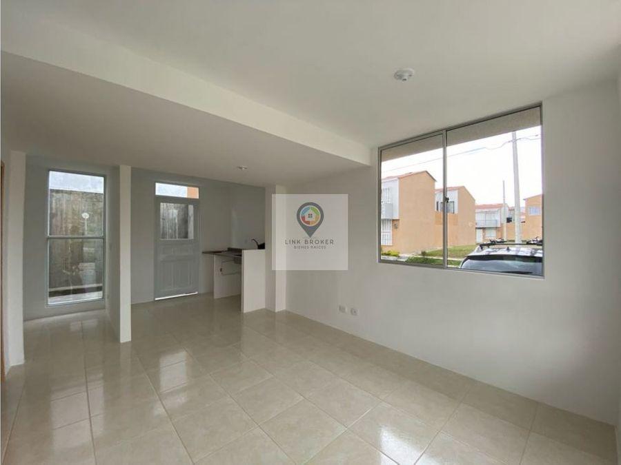 alquiler casa nueva esquinera sobre avenida montebonito dosquebradas