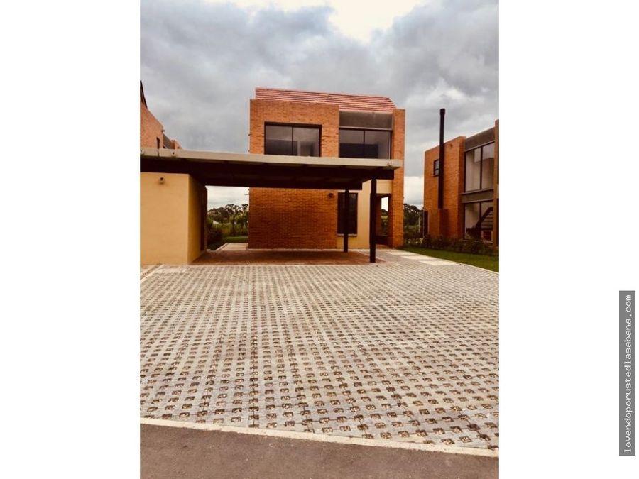 venta casa fontanar tipo solario un ano de uso con pergola