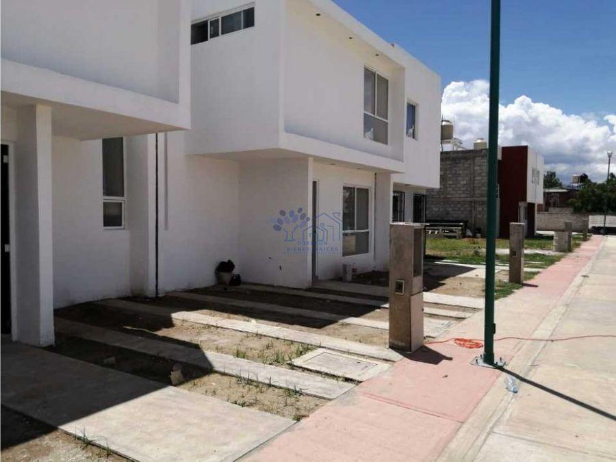venta casa de 3 habitaciones en fracc paseo de las flores tlacomulco