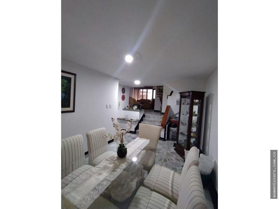 venta casa sector la elvira av 30 de agosto