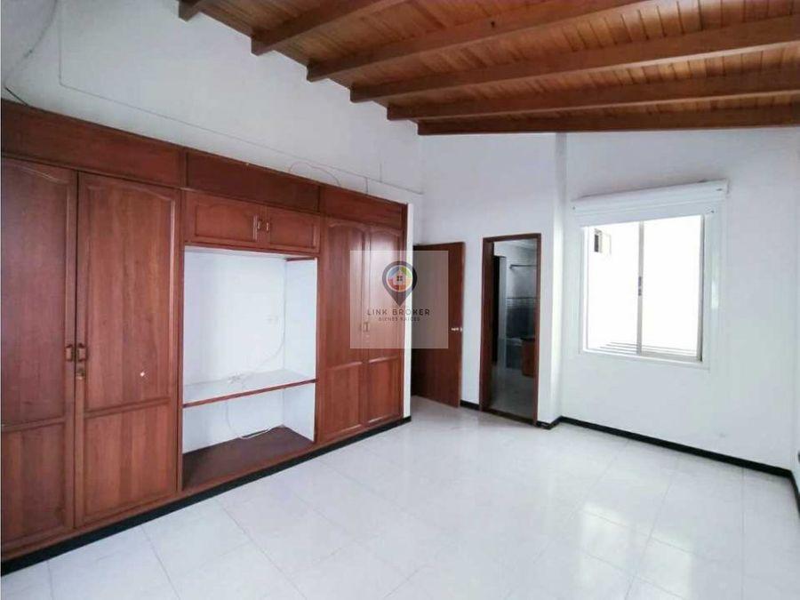 venta de amplia e iluminada casa sector pinares pereira