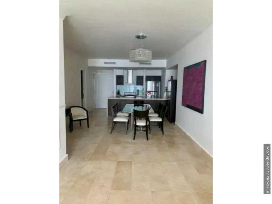 venta de bello apartamento en avenida balboa
