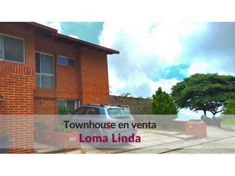 venta de bello townhouse con jardin terraza y vista en loma linda