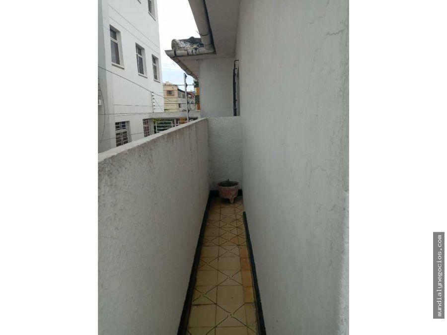venta de casa amplia en 2do piso con garaje excelente ubicacion